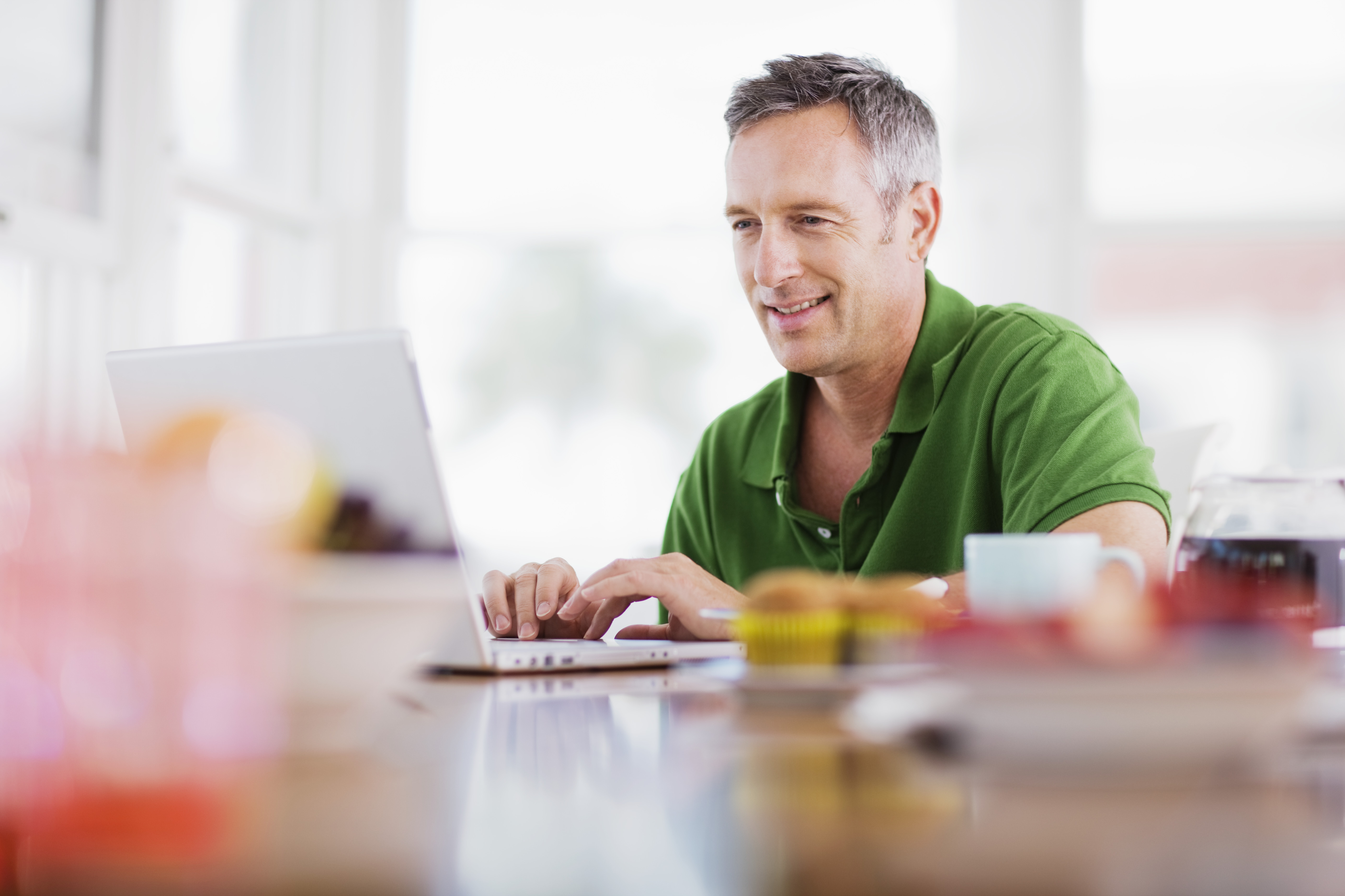 Improve your real estate agent etiquette with a better auto-reply email.